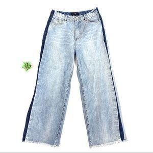 Missguided wide leg raw hem jeans. Size 4 🎀